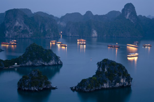 Halong Bay full day   37usd