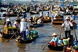 Floating markets in Mekong delta tour for Muslim